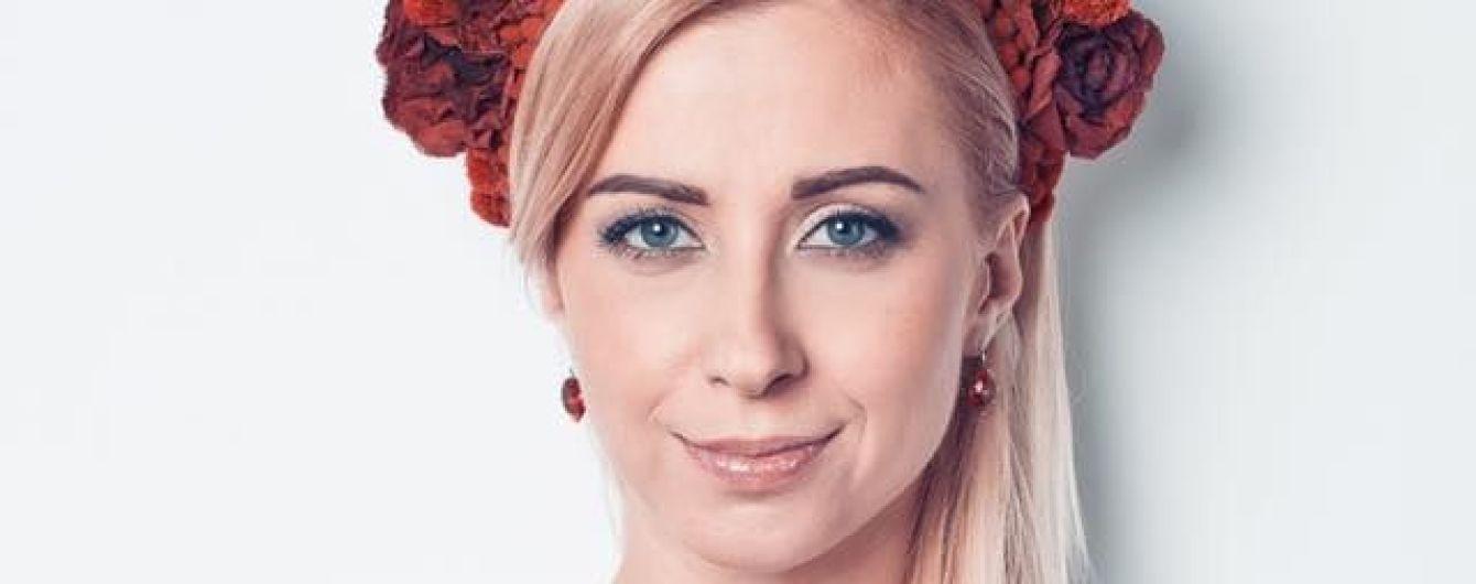 Тоня Матвиенко поиграла в гольф на шпильках ради детей