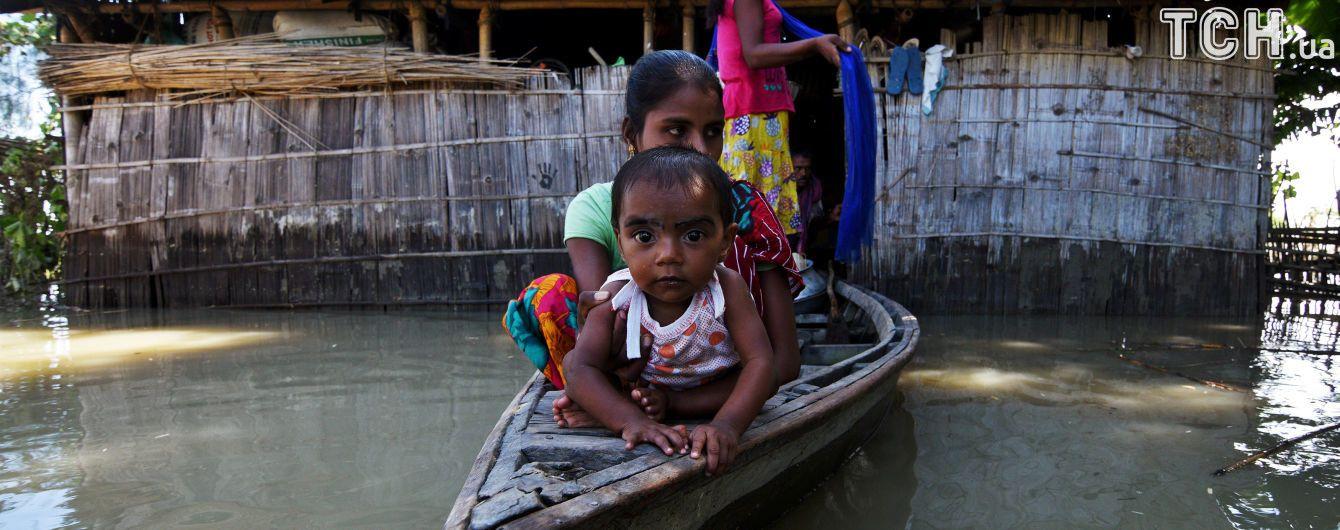 Від немовлят до 12 років: в Індії від енцефаліту впродовж двох днів померло 30 дітей