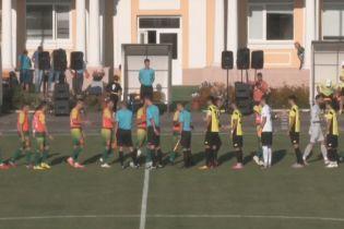 Клуб Первой лиги Украины провел официальный матч в тренировочных манишках