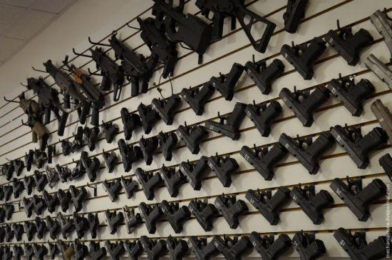 Незаконний обіг зброї в Україні від початку року зріс на понад третину - Аваков