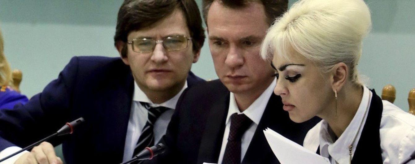 Председатель ЦИК получил больше 100 тысяч гривен зарплаты, половина из которых – материальная помощь