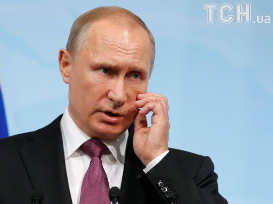 У Путіна розповіли подробиці його телефонної розмови з Порошенком