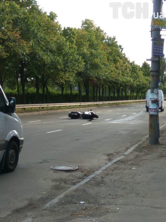 Загальмував і колесом об бардюр: дружина загиблого в Києві байкера розповіла про страшну ДТП