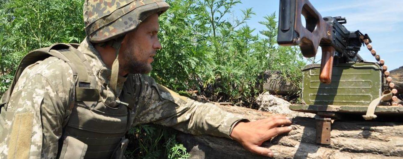 Похлебка с осколками и перебежки под пулями снайпера: ТСН увидела быт военных в промзоне Авдеевки