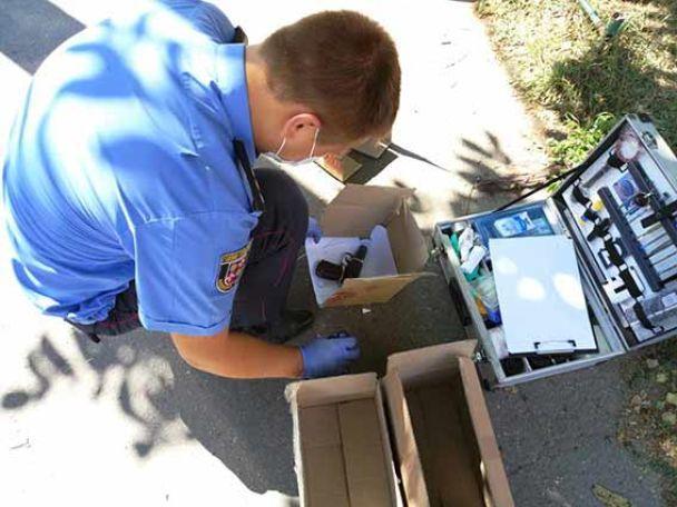 В Виннице трое преступников со стрельбой ограбили ювелирный магазин, есть раненый