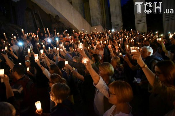 Польщею прокотилися мітинги, щоб нагадати Качинському про долю Януковича