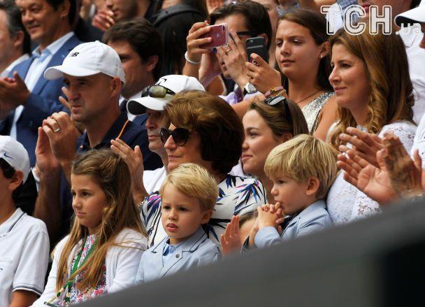 Перетягли ковдру на себе. Як синочки-близнюки Федерера стали головними зірками фіналу Wimbledon