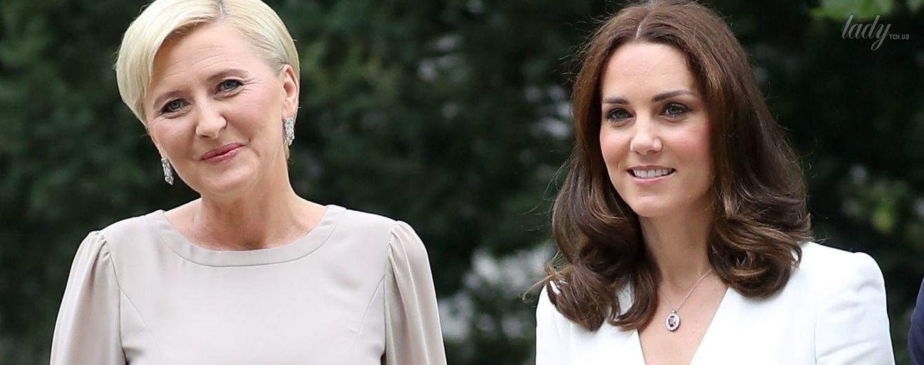 Не хуже герцогини: первая леди Польши надела на встречу с Кембриджами красивое платье