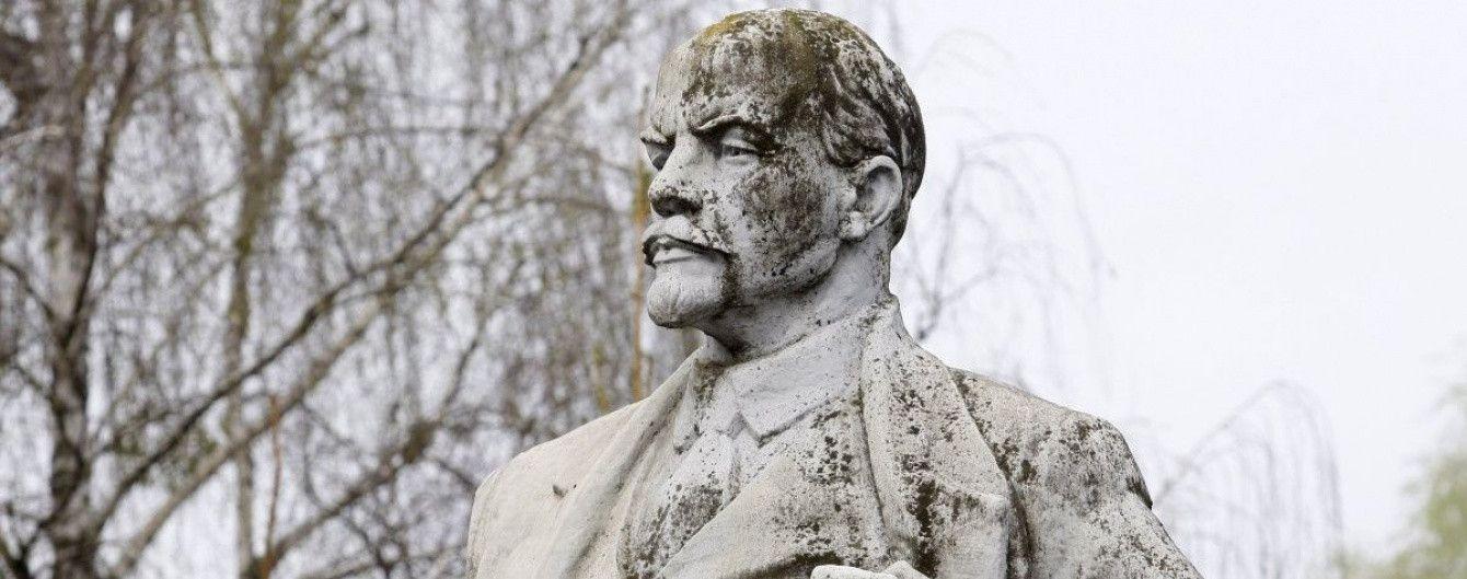 В Польше снесут за год все коммунистические памятники