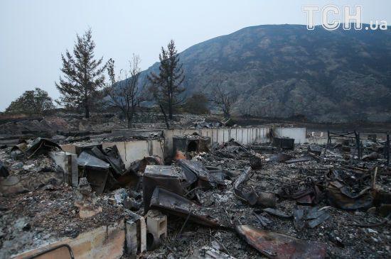 Попел та рештки. Reuters показав наслідки масштабних лісових пожеж у Канаді