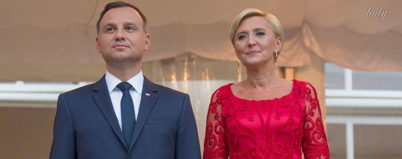 Ярче герцогини: первая леди Польши пришла на торжественный прием в алом платье