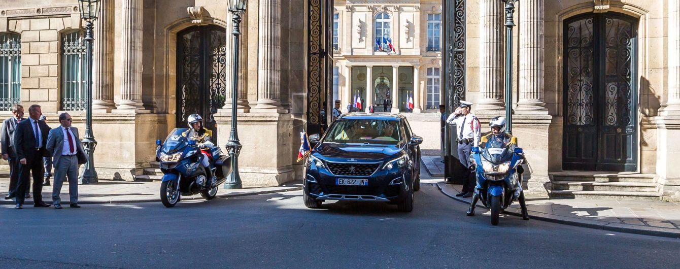 Президент Франции выбрал президентский автомобиль для национального праздника