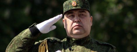 """Павуки в банці: хто і чому в """"ЛНР"""" бореться за владу і навіщо """"ДНР"""" ввело війська"""