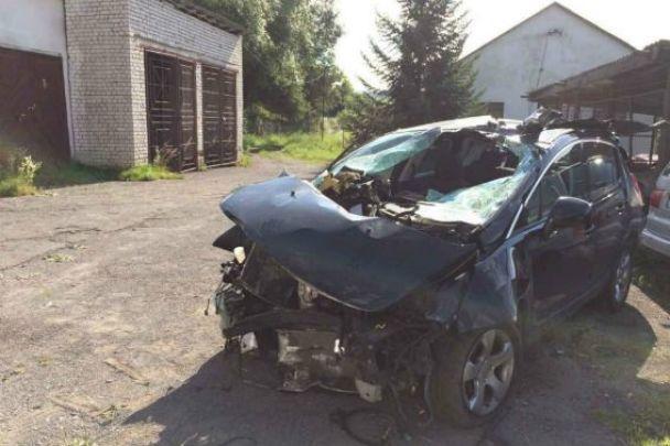Смертельное ДТП на Закарпатье: авто на полной скорости въехало в отбойник