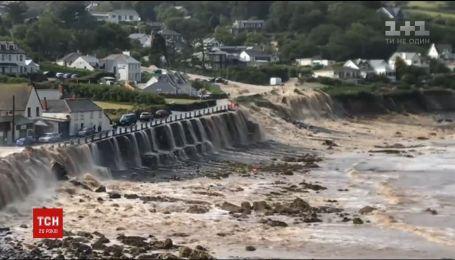 На півдні Великої Британії під водою опинилося одразу кілька поселень