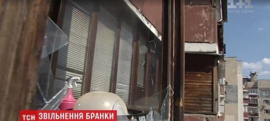 У Києві через балкон восьмого поверху врятували 15-річну дівчину, котру змусили працювати повією