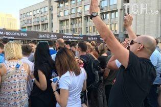 Провал организаторов на концерте Depeche Mode: часть фанов пропустила полвыступления