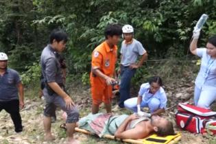 Английского актера Пола Николлса спасли из водопада в Таиланде