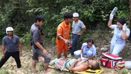 Англійського актора Пола Ніколлса врятували з водоспаду в Таїланді