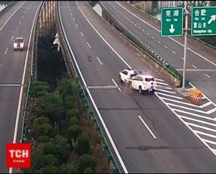В Китае камеры видеонаблюдения сняли ужасную аварию