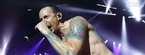 На сайті Linkin Park з'явилася сторінка з номерами телефонів для тих, хто задумується про суїцид