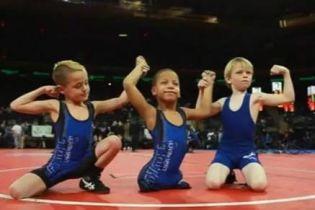 """""""Маленький воїн"""": 9-річний хлопчик, який народився без ніг, став чемпіоном з реслінгу"""