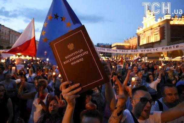 УПольщі тривають протести проти суперечливої судової реформи