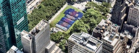 """Американские фанаты """"Барселоны"""" развернули гигантскую футболку клуба на Манхэттене"""