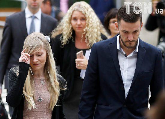 Батьки смертельно хворого Чарлі Гарда погодилися припинити боротьбу за життя немовляти