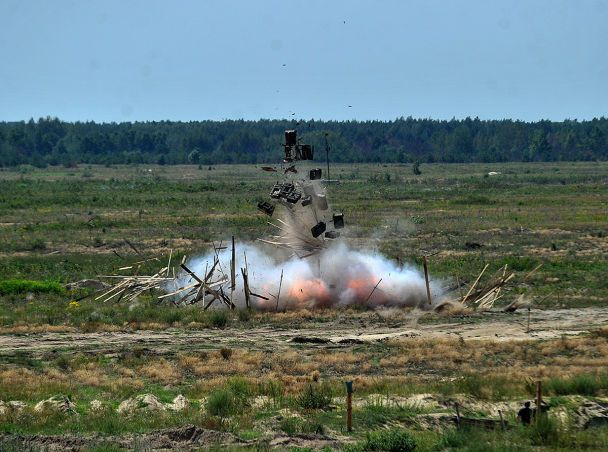 Випробування новітньої української військової техніки