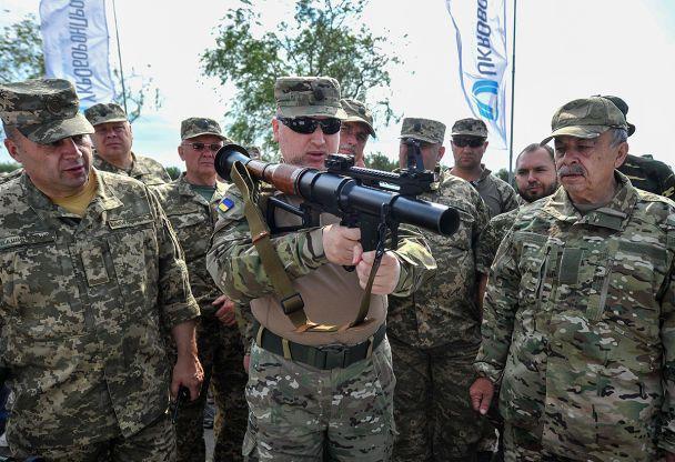 Украина проверила новые образцы оружия ивоенной техники