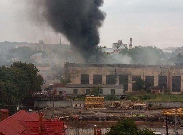 Масштабный пожар нальвовском заводе