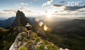 Reuters опублікувало дивовижні фото змагання з бігу в італійських Альпах