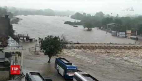 Близько 120 людей стали жертвами повеней на заході Індії