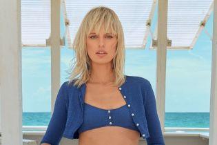 В ретро-купальниках и шляпах: Каролина Куркова снялась в пляжном фотосете