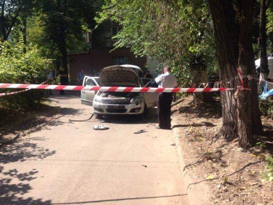 У Дніпрі вибухнув автомобіль, постраждала жінка