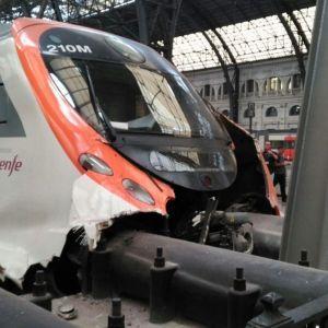 Внаслідок аварії поїзда у Барселоні постраждали півсотні людей
