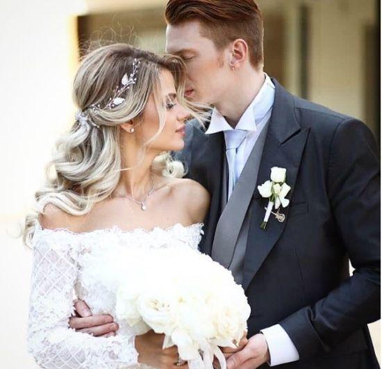 Секс – добре, а дружба – головне. Пугачова у розкішній сукні виголосила мудрий тост на весіллі онука