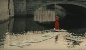 """У Петербурзі річкою проплили """"найкращі роки"""""""