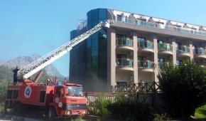 На турецькому курорті горів 5-зірковий готель, понад 10 осіб постраждали