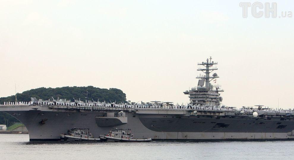 Корабль ВМС США відкрив попереджувальний огонь біля катерів Ірану