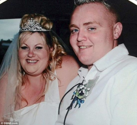 Подружжя схудло на 88 кілограмів, аби вдруге зіграти весілля заради гарних фото