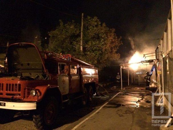 ЗМІ: ВОдесі сталася масштабна пожежа у нічному клубі - відео