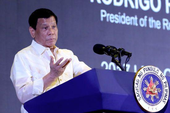 На Філіппінах під час перестрілки з поліцією загинув мер міста, звинувачений у корупції