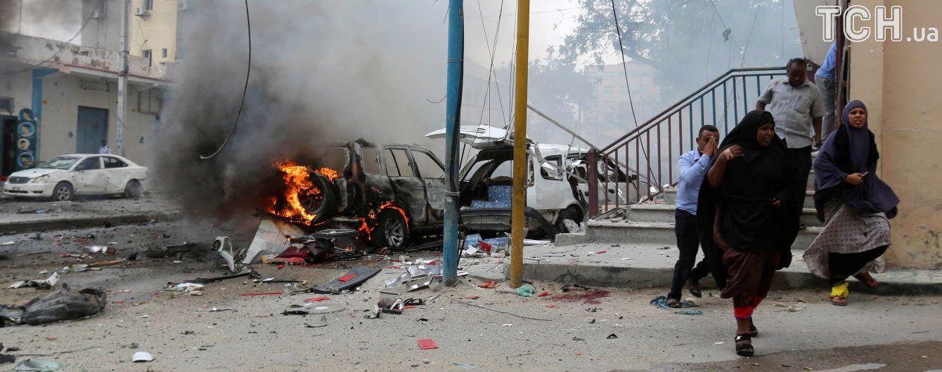 В Сомали взорвали автомобиль: не менее 10 пострадавших