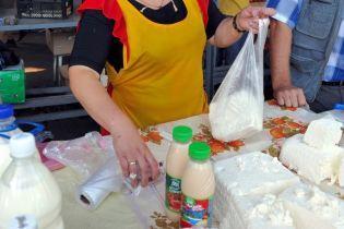 Молочна продукція здорожчала в Україні майже на 20%. Інфографіка