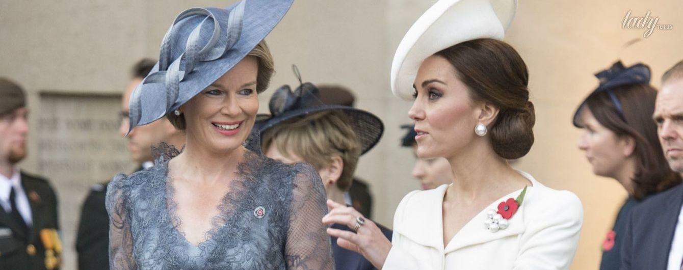 Не хуже герцогини: бельгийская королева Матильда вышла в свет в кружевном платье