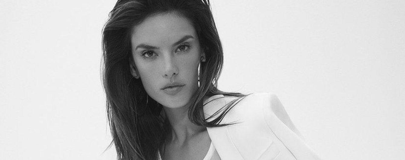 Красивая и женственная: Алессандра Амбросио в новой фотосессии для глянца