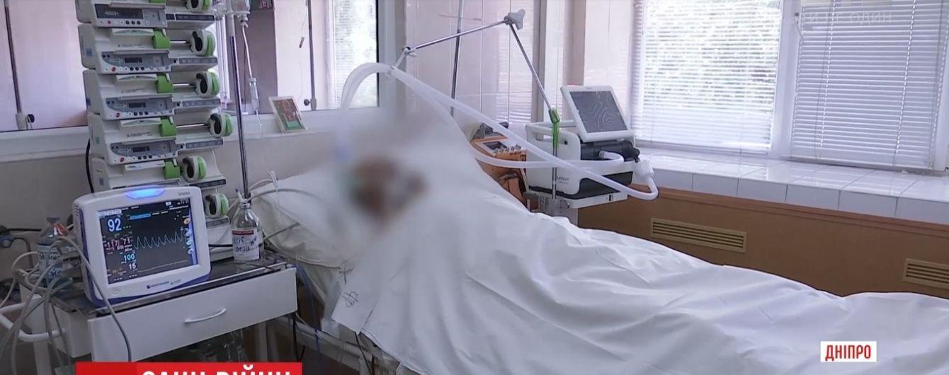 Медики змогли витягти не всі осколки з поранених біля Широкиного бійців