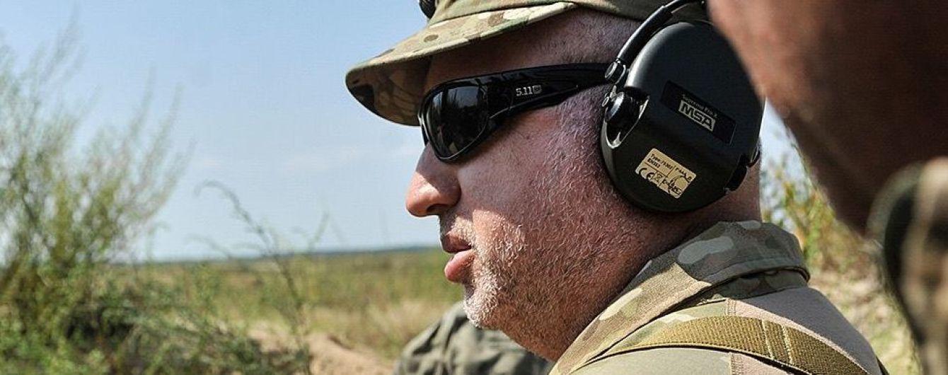 Оклади військових не можуть бути меншими, ніж у держслужбовців в затишних кабінетах - Турчинов